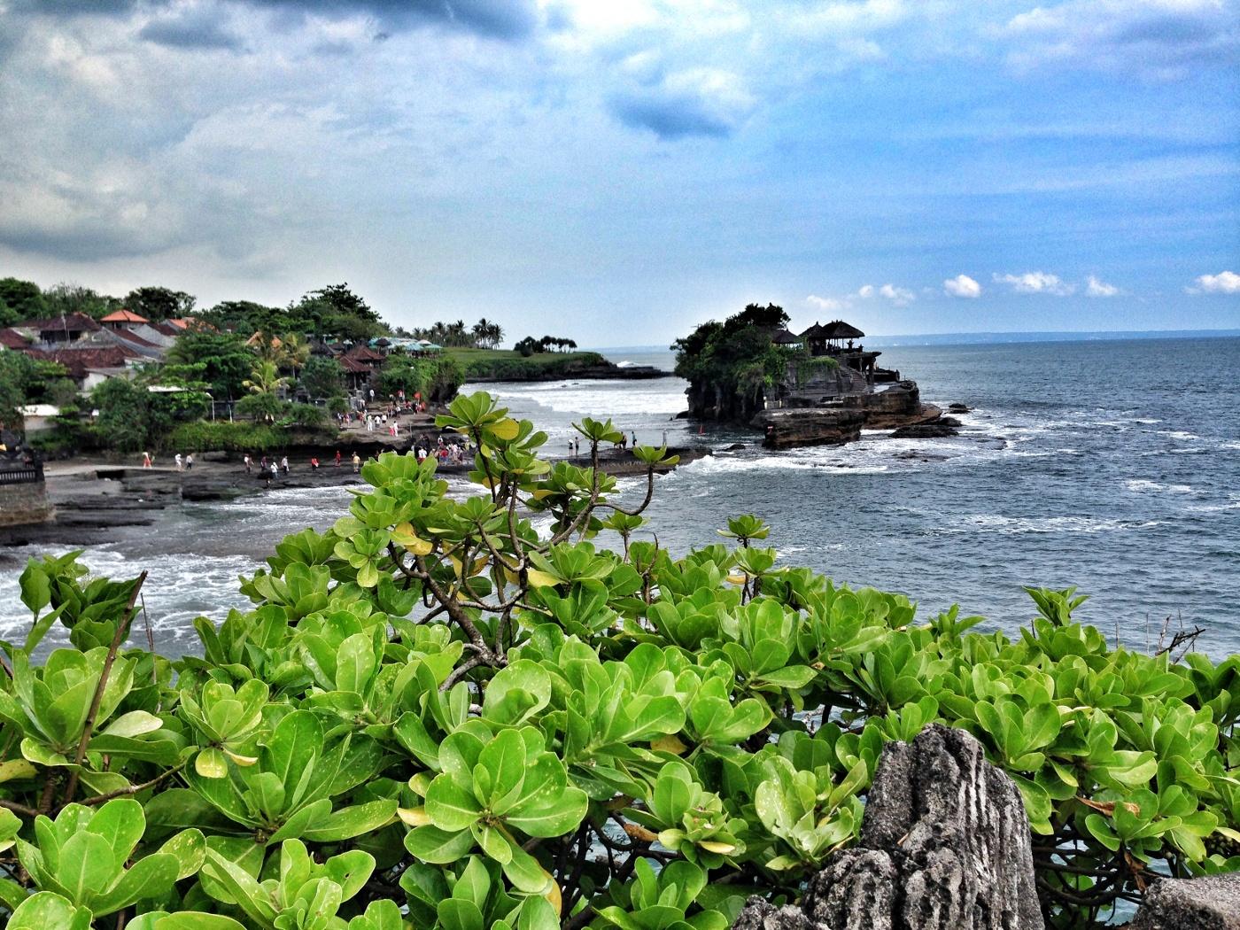 Temple Tanah lot (No. 2 of the Bali travel tips)